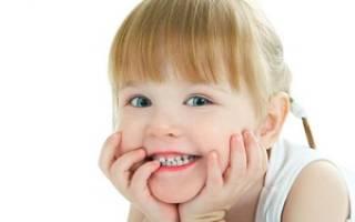 Белые пятна на зубах у ребенка